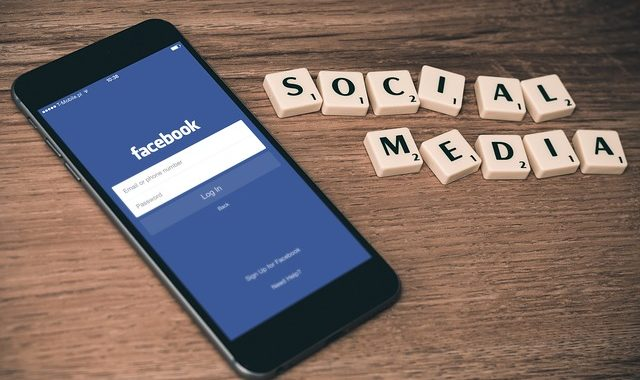 Facebook will create an external committee to decide on content