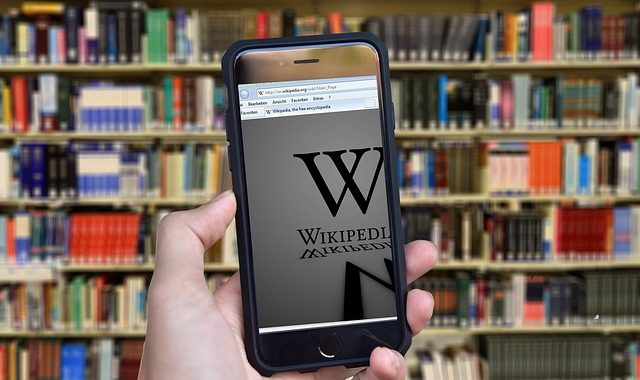 Wikipedia: A battleground for media censorship
